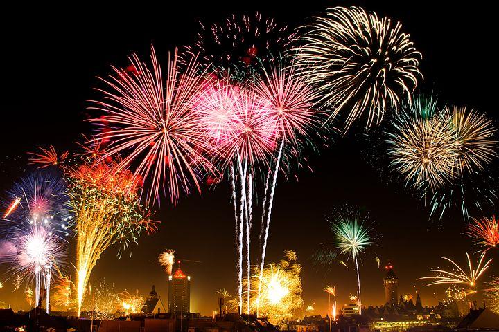 i-e92c428b3c1e31101f9a9cded1c69bd8-Fireworks.jpg